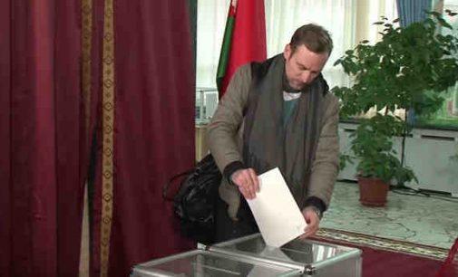 """""""Baltarusiai nekenčia Lukašenkos"""": opozicija nepripažįsta rinkimų rezultatų"""