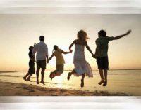 Teugdo šeimos laimingus vaikus