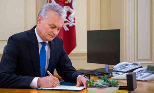 Prezidentas pasirašė Seimo neeilinėje sesijoje priimtus įstatymus