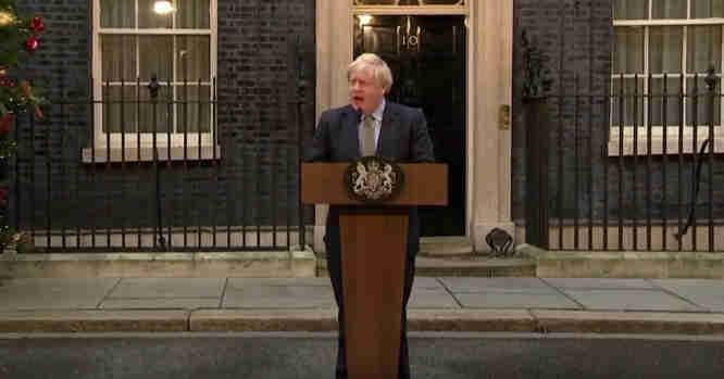 Borisas Johnsonas sako kalbą