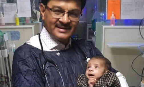 Indijoje gydytojai grąžino į gyvenimą neišnešiotą mergaitę, gyvą palaidotą moliniame puode