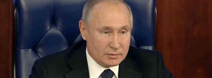 Putinas paskelbė, jog Rusija užregistravo vakciną nuo Covid-19 ir pareiškė, kad skiepijimas turi vykti savanoriškai
