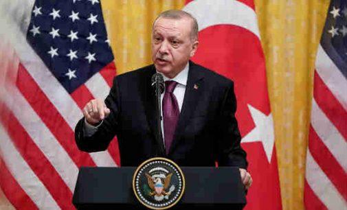 JAV kongresas smogė Turkijai dvigubą smūgį