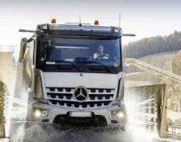 Už 10 milijonų kariuomenei perkami 25 Mercedes Benz Arocs sunkvežimiai
