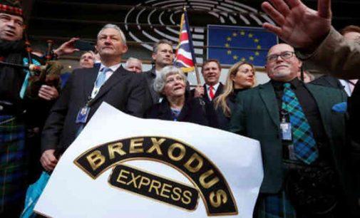 """""""Brexit"""" diena. Jungtinė Karalystė išeina iš ES pasitikdama neapibrėžtumą"""