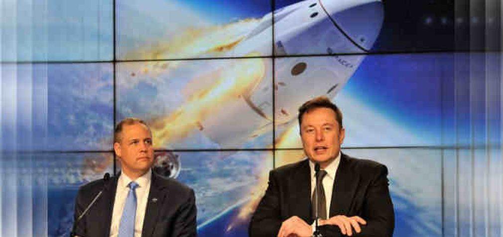 SpaceX įrodė, jog astronautai gali išgyventi net sprogus raketai