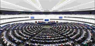 Europos Parlamentas uždraudžia nacionalines vėliavas