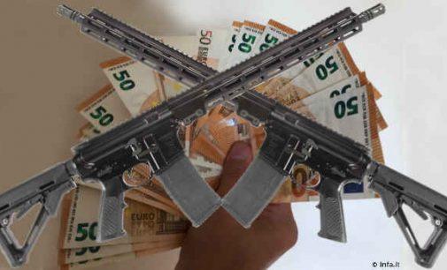 Korupcijos lizdas: pas bankroto administratorę rasta daugiau nei pusė milijono grynais ir neteisėtai laikomas ginklas