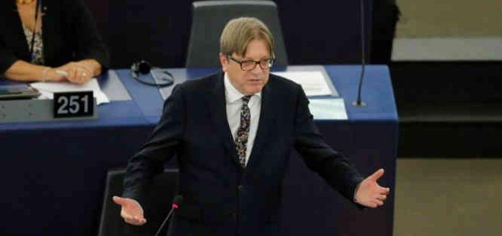 Britanija po Brexit automatiškai ES piliečių nedeportuos