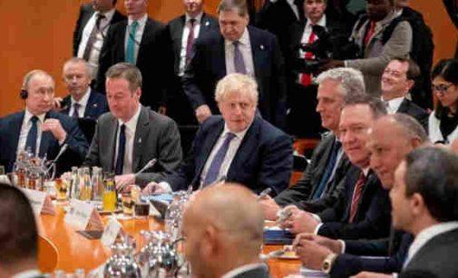 Britanijos premjeras griežtai pareiškė Putinui, jog santykių normalizavimo nebus