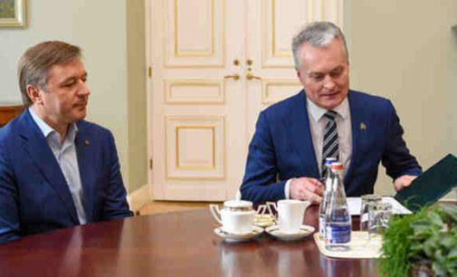 """Prezidentas J. Narkevičiaus klausimu į kompromisus neis: """"Klausimais, dėl kurių yra esminių nuomonės skirtumų, taikos pypkės nerūkomos"""""""