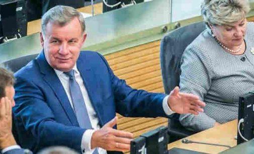 """Socialdarbiečiai siūlo atverti """"žaliąjį koridorių"""" stambiems investuotojams"""