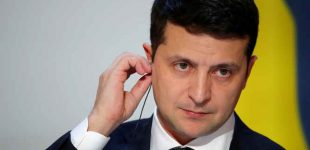 """Ukrainos prezidentas: """"Mes turime atrasti savo didvyrius, kurie visuomenėje neiššauktų prieštarų"""""""