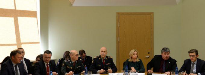 Lietuvoje dėl koronaviruso siūloma skelbti valstybės lygio ekstremaliąją situaciją