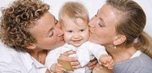 Kroatijos konstitucinis teismas pripažino tos pačios lyties poroms teisę tapti vaiko globėjais