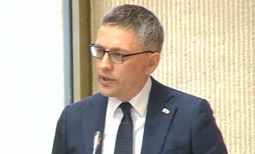 """Vytautas Bakas: """"Ar teisiamos partijos atstovas turėtų vadovauti Seimui?"""""""