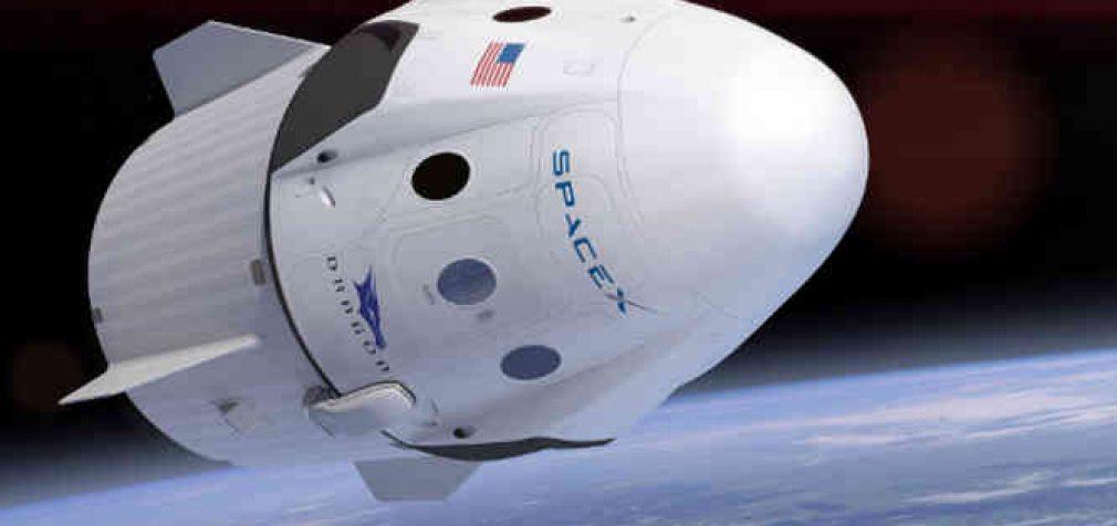 """""""SpaceX"""" perima iš """"Roskosmos"""" turistų pristatymo į TKS verslą"""