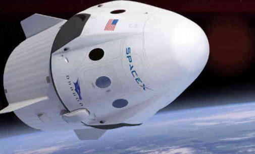 SpaceX sėkmingai pristatė kosmonautus į Tarptautinę kosminę stotį