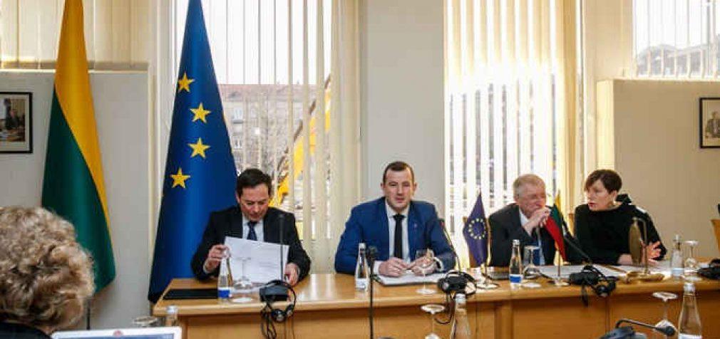 EK ataskaita Lietuva: nors Lietuva imasi pozityvių žingsnių, – jų efektyvumas žemas