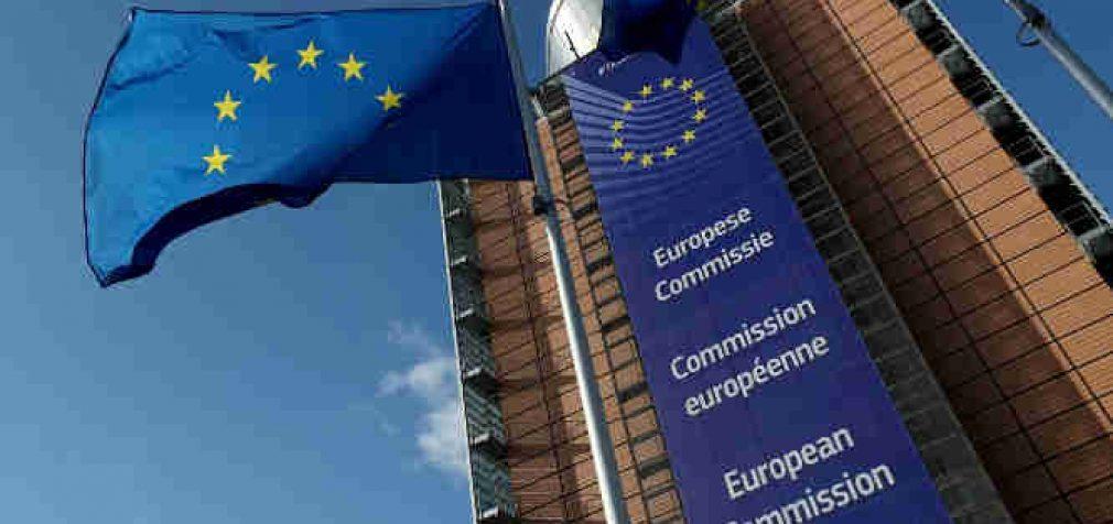 Europos Komisija griežtai įspėjo Vengriją dėl rusiškos ar kiniškos Covid-19 vakcinos pirkimo