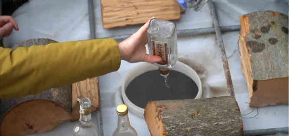 37 tūkstančiai butelių degtinės vienu ypu virto pamazgomis [video]