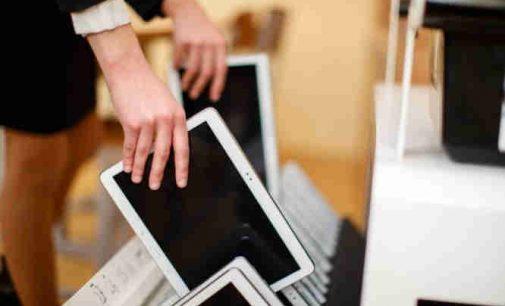 Švietimo ministerija  prašo verslo ir visuomenės pagalbos įsigyjant kompiuterius nuotoliniam vaikų mokymui