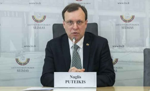 Prezidentūra nurodinėja Seimui, kad negalima mažinti dezinfekcinio skysčio ir kitų apsaugos nuo COVID-19 priemonių kainų
