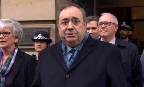 Išteisintas. 10 moterų kaltino buvusį Škotijos lyderį seksualine prievarta