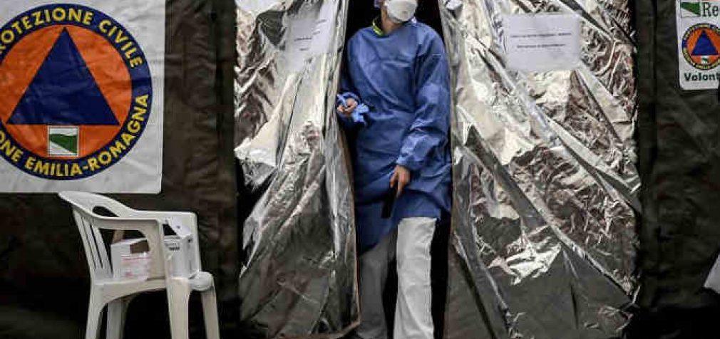 """""""Situacija blogesnė, nei rašoma"""". Italų gydytojams tenka rinktis, ką gelbėti, pasakoja ligoninės darbuotojas"""