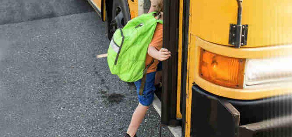 Vyriausybė pritarė, kad nuo 2021 metų rugsėjo priemiestiniais autobusais mokiniai važiuotų su 50–80 proc. nuolaida