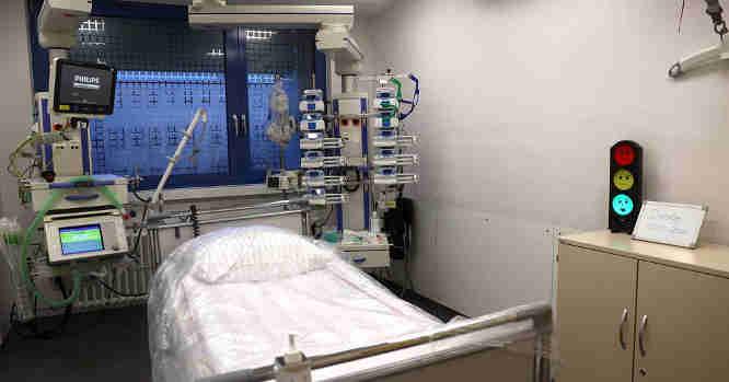 Dirbtinio plaučių ventiliavimo aparatas