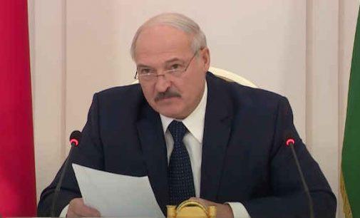 """A. Lukašenka: """"Gaisruose, prisigėrė ir užduso – 206 žmonės, nuo koronaviruso žuvo – 13 [video]"""