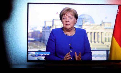 """Angela Merkel: """"Viskas labai rimta. Aš noriu paaiškinti"""""""