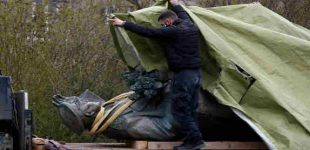 Rusija nusiteikusi patraukti atsakomybėn tuos, kas griauna TSRS karo paminklus užsienyje