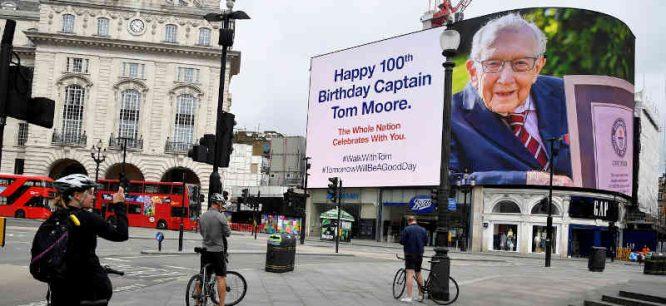 Tom Moore 100 metų