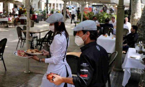 Ispanija beveik 2000 sumažino savo mirčių nuo koronaviruso skaičių