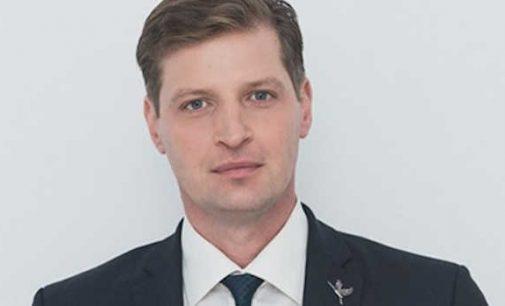 Dėl aplinkos ministro įteisintos medžioklės lankais Seimo konservatoriai kreipėsi į teismą