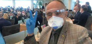 """Prof. Artūras Razbadauskas: """"Užsitęsęs karantinas kelia chaosą sveikatos priežiūros sistemoje…"""""""