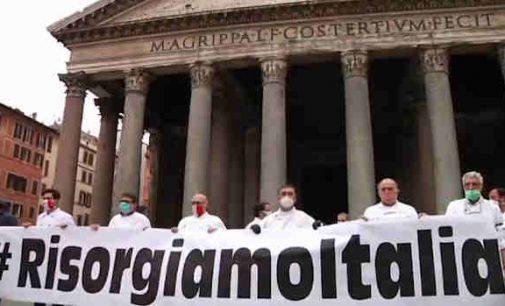 Europoje vyksta manifestacijos už laisvę ir prieš apribojimus