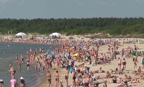 Paplūdimiuose kaukių dėvėti nereikės, tačiau vyresniems nei 60 žmonėms lankytis ten nerekomenduotina