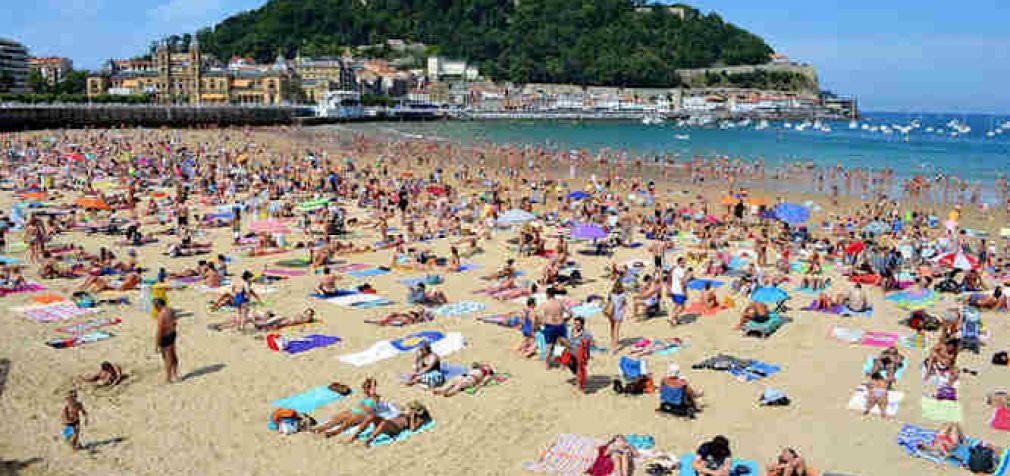 Ispanijoje įvertinta rizika užsikrėsti COVID-19 maudantis jūroje, baseine ir gėlavandeniuose telkiniuose