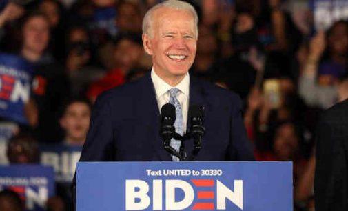J. Bidenui patikėta tapti D. Trampo priešininku artėjančiuose rinkimuose į JAV prezidento postą