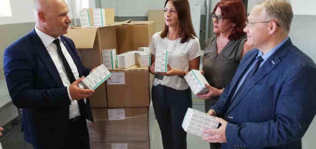 Vilniaus ir Švenčionių rajonų gyventojai ruošiami branduolinei Astravo AE avarijai, dalinant kalio jodido tabletes