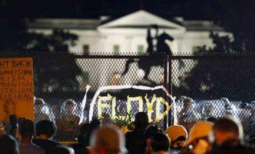 Foxs News: Amerikiečiai verčiami paklusti įsiutusiai miniai