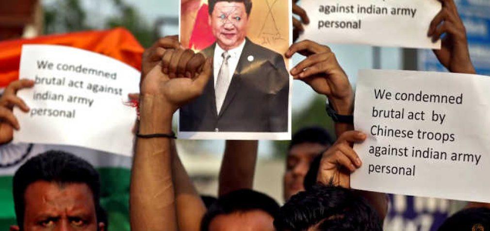 Indijos-Kinijos pasienyje įvykusiame dviejų pusių susidūrime žuvo 20 kareivių