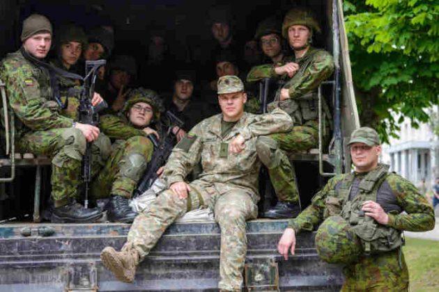 Mokomojo b8rio kariai