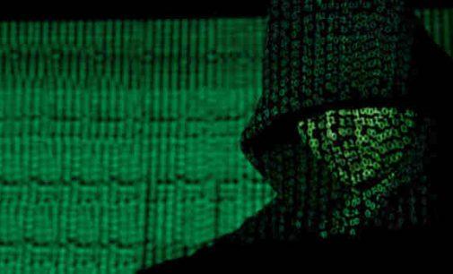 Rusų hakeriai kaltinami bandę pagrobti vakcinos prieš koronavirusą duomenis
