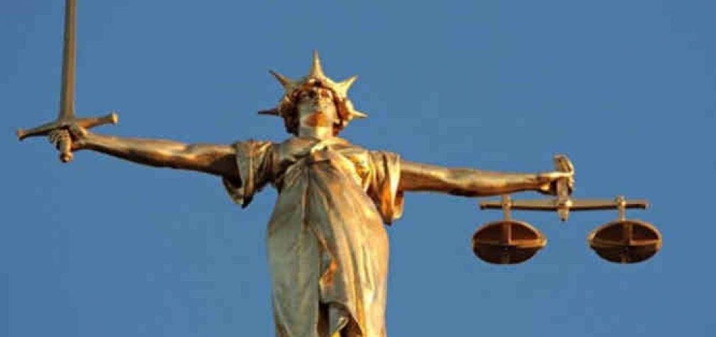 Teisininkai žada Niunbergo procesą visiems susijusiems su Covid afera