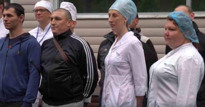 Rusijos savanoriai ir medpersonalas po vakcinos bandymų