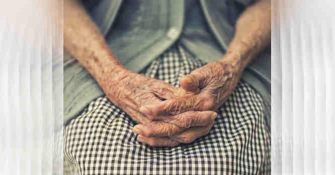 Senutės rankos